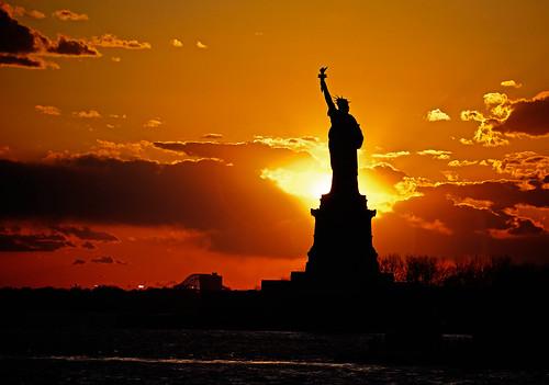 無料写真素材, 芸術・アート, 彫刻・彫像, 朝焼け・夕焼け, 自由の女神, 風景  アメリカ合衆国