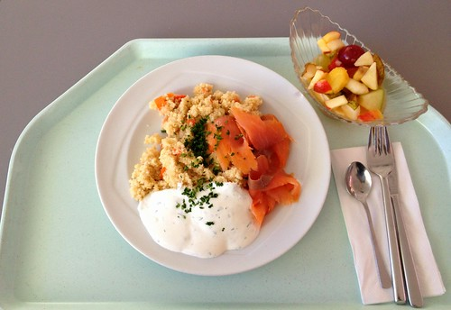 Gemüsecouscous mit Räucherlachs / Vegetable couscous with smoked salmon