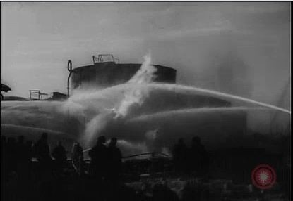 Tanc de petrol in flacari - 1944 Ploiesti