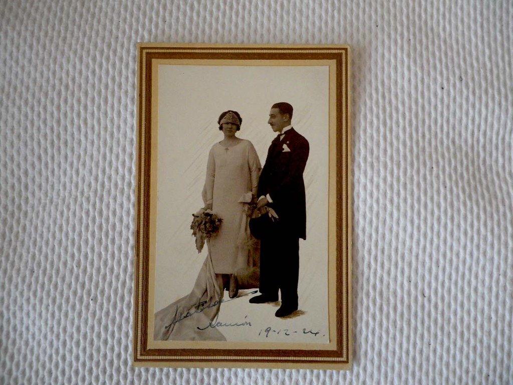 old-people-wedding-couple