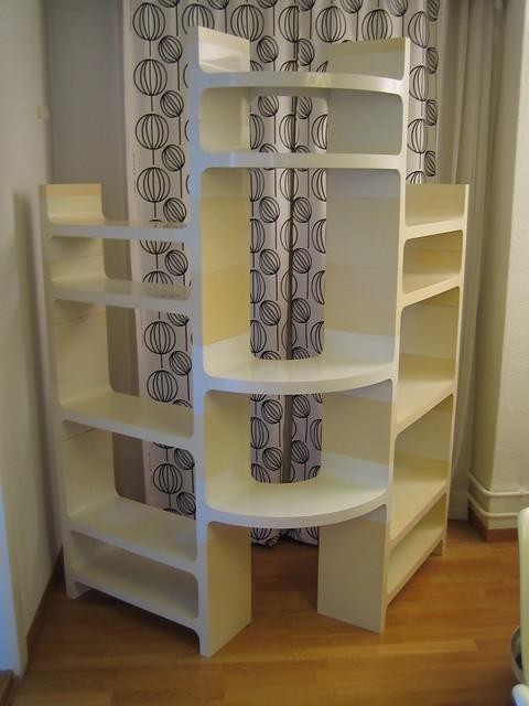 vardani Design modular shelf space age design