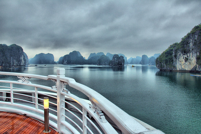 Cruise on Halong Bay - Vietnam