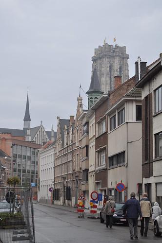 2012.04.29.210 - MECHELEN - Goswin de Stassartstraat - Sint-Romboutskathedraal