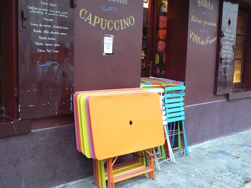 tables colorées.jpg