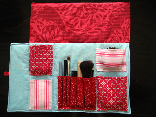 red and aqua make-up roll