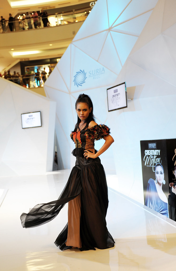 Gothic inspired dress by Shahnar of Iran worn by Arina from Malaysia during the Creativity in Motion fashion show in KLCC.JPG