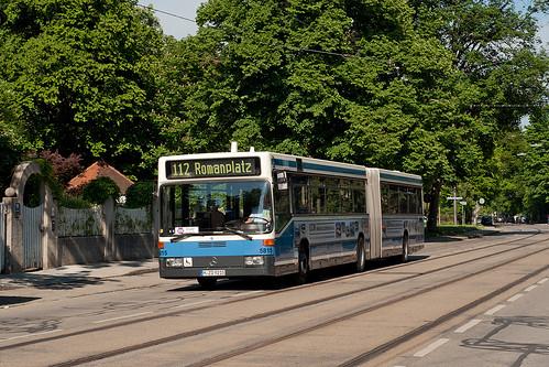 Wagen 5815 als Schienenersatzverkehrslinie 112 in der Romanstraße