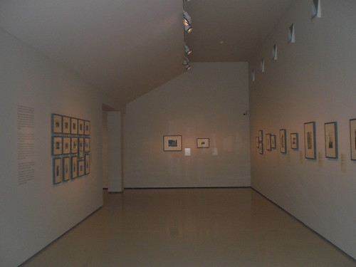 La saleta del MNAC con las fotos de Centelles, doce por cuatro metros. by Octavi Centelles