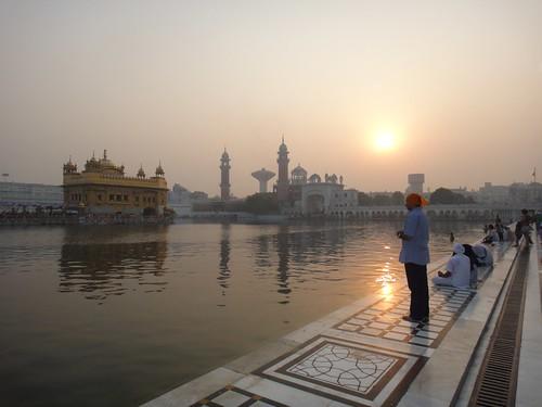 india sunrise temple golden day sony religion punjab amritsar goldentemple harmandirsahib harmindersahib