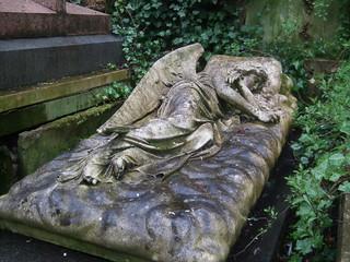 DSCF6978  Highgate Cemetery (West), London