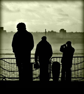 Spectators, River Mersey