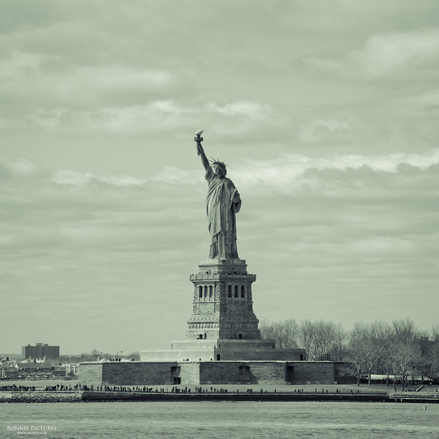 [ Statue of Liberty ]