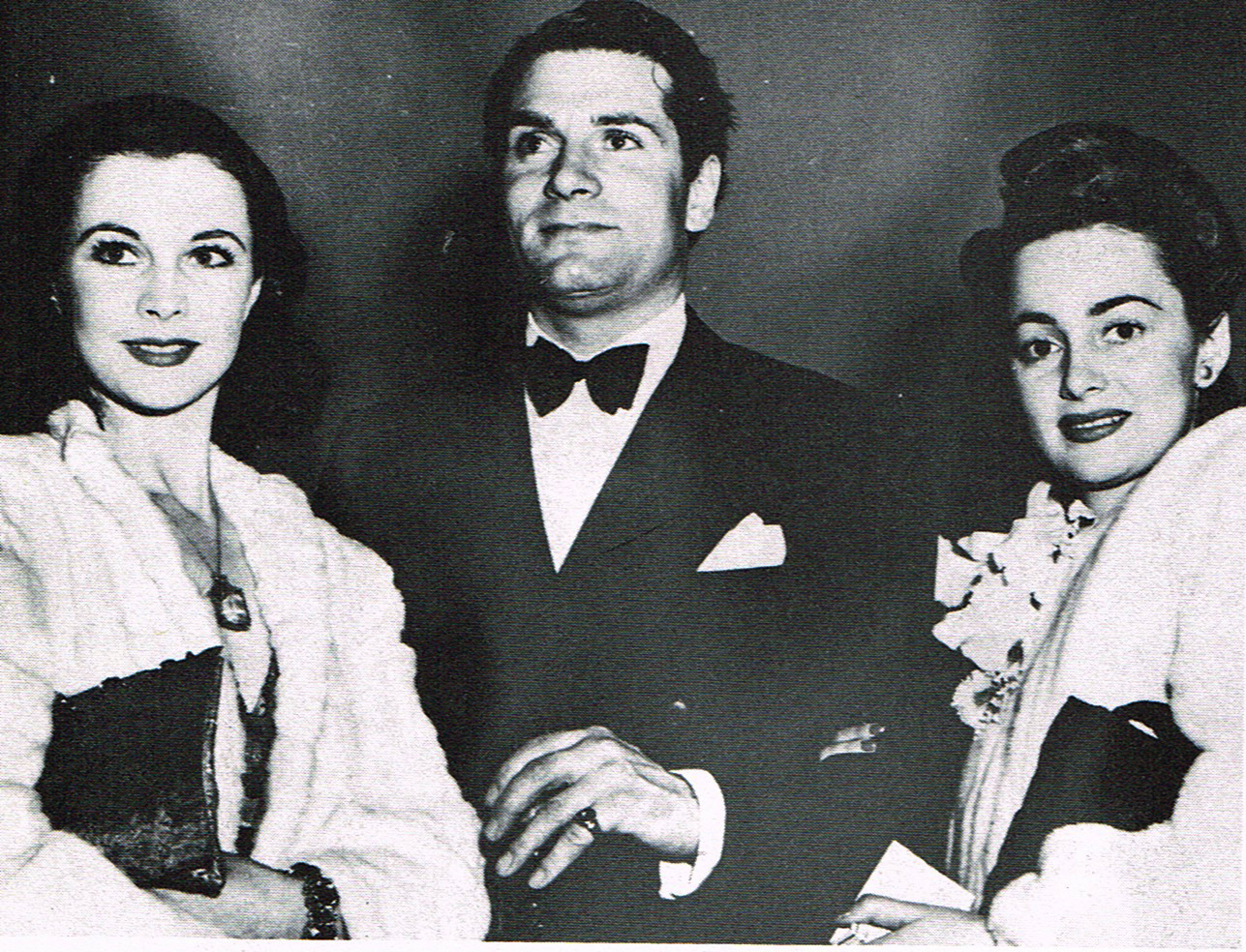 Vivien Leigh, Laurence Olivier and Olivia de Havilland at the Oscars