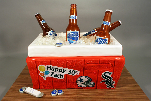 Beer Cooler Cake http://www.flickr.com/photos/7632830@N08/7383787776/