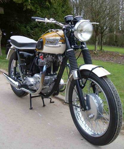 1965 TRIUMPH TROPHY TR6 SR 650cc by willemsknol