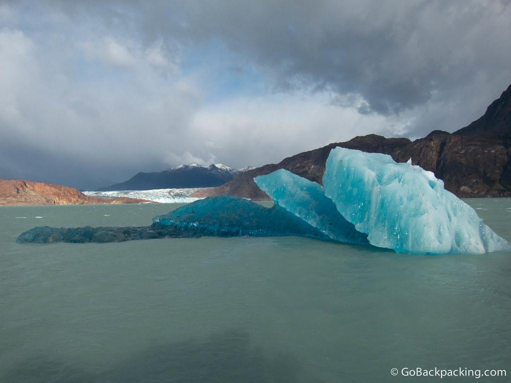 An iceberg adrift in Viedma Lake