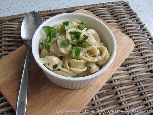 Pasta mit cremigen Walnusspesto