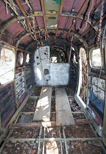 abandoned pine airport aircraft twin 18 derelict beech scrapped stored twinbeech cabinview beechc45 beechexpeditor beechc45g n7615c 5111481