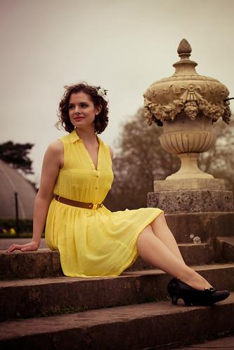無料写真素材, 人物, 女性, ワンピース・ドレス, イギリス人, 女性  座る