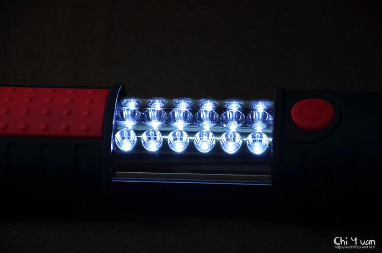 LED伸縮工作燈09.jpg