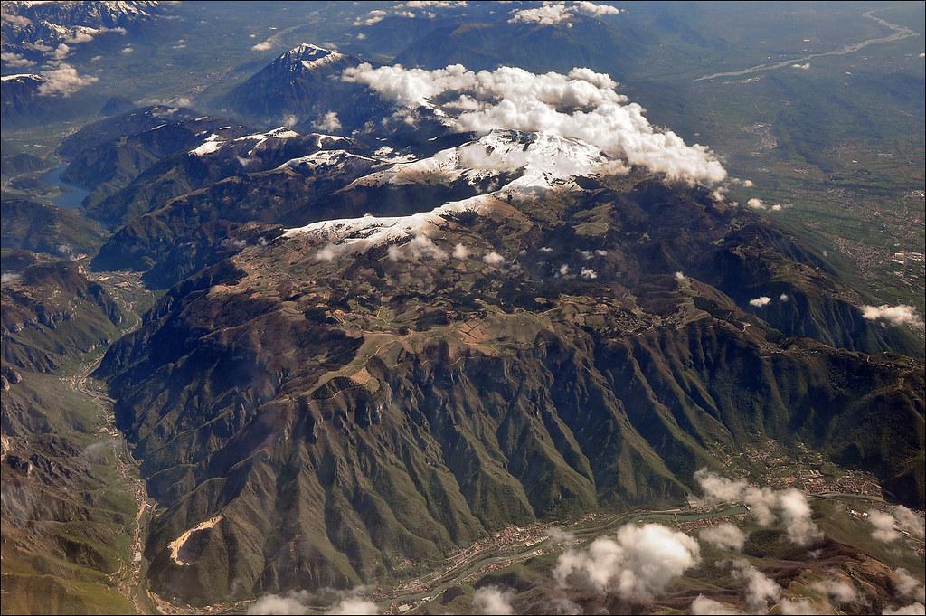 Le Alpi Orientali dal finestrino...dell'aereo!! 7248252282_02b1431ff4_b