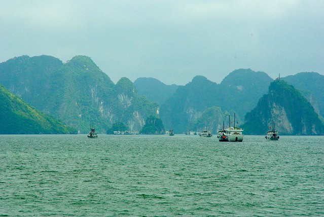 Vietnam - Halong Bay - Caroline Eaton