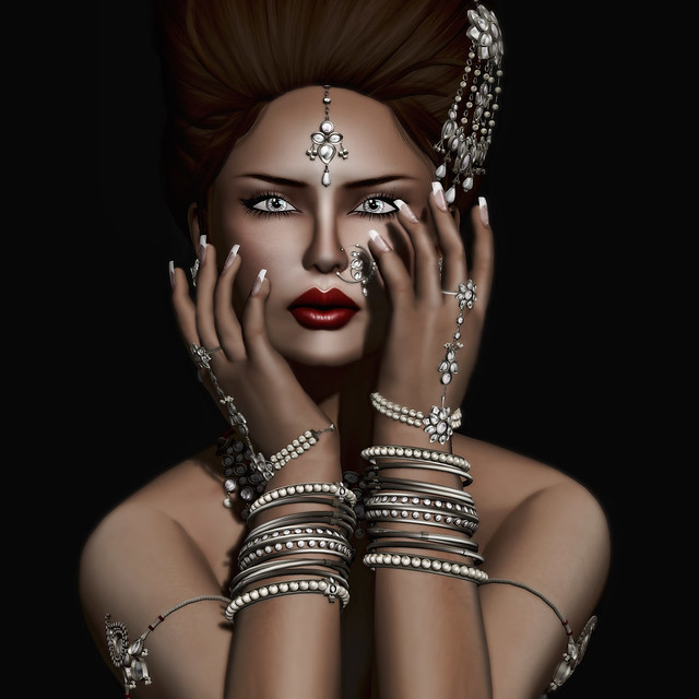 Zaara Nizam in Silver
