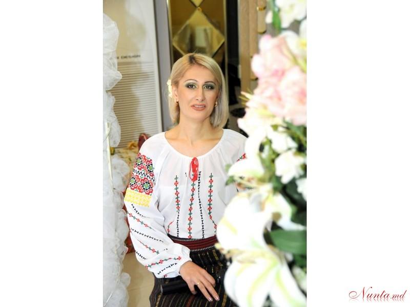 Natalia Procopii - moderatoare la nunţi, cumetrii şi alte festivităţi! > Foto din galeria `Principala`