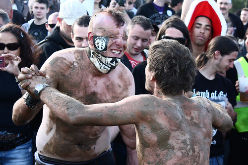 Mud Wrestling !