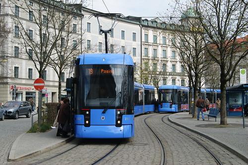 Variobahnalltag? Zwei S-Wagen begegnen sich am Ostbahnhof