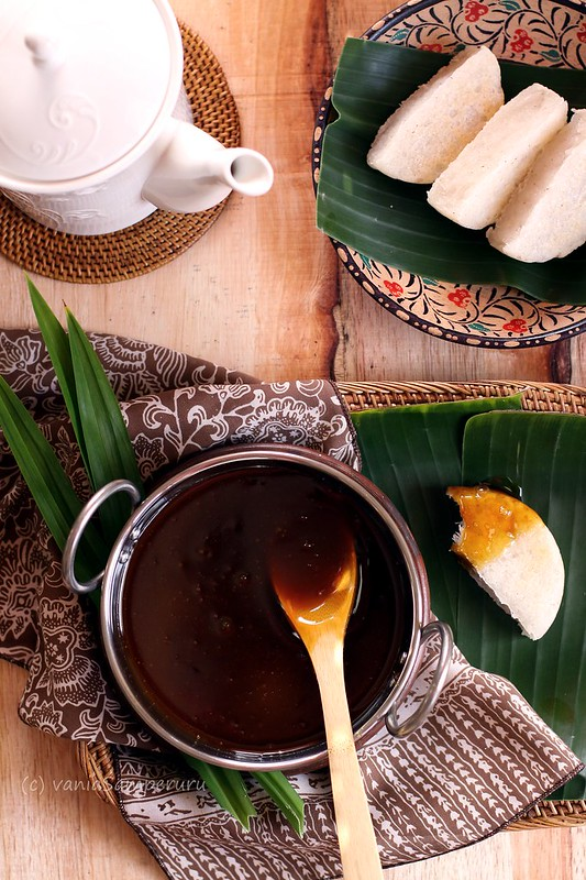 Making Kue Rangi