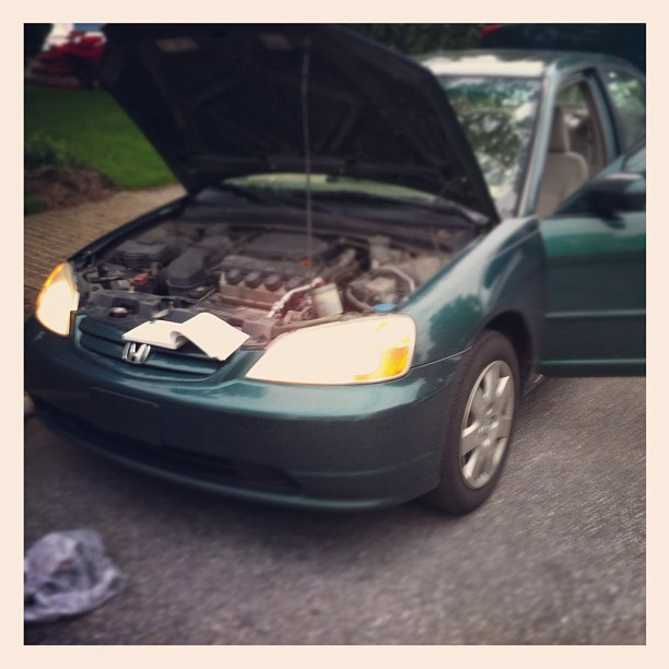 Why yes I can change my own headlight bulbs!