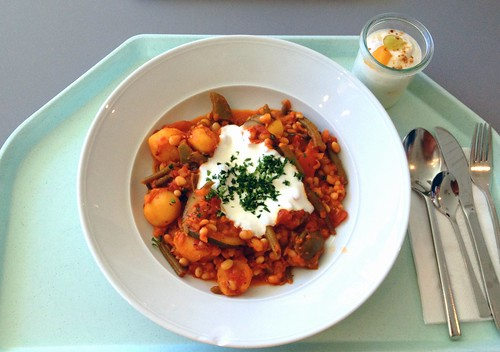 Pikantes Bohnengulasch / Zesty beans goulash