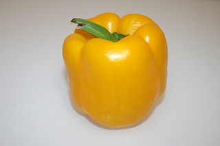 02 - Zutat gelbe Paprika / Ingredient yellow bell pepper