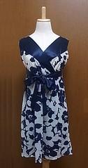 紺の花柄ワンピ