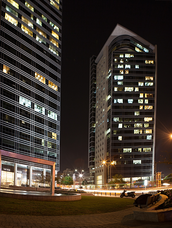 urban beauty, city by night, Ramat Gan, BSR, מגדלי בסר, רמת גן בלילה