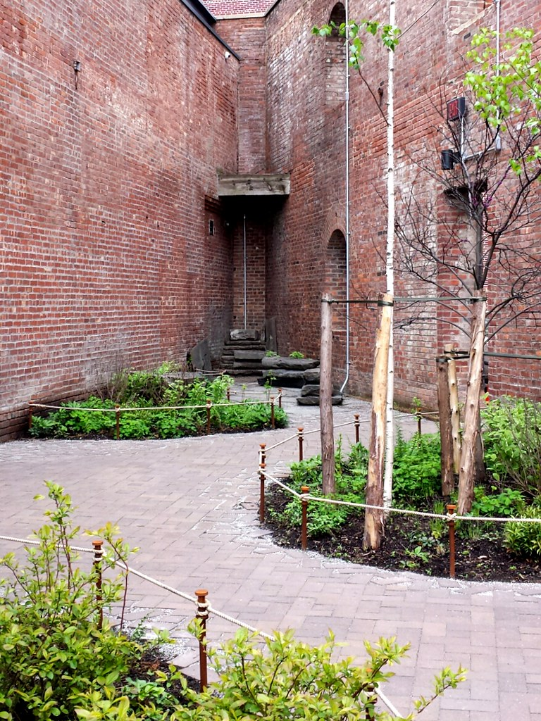 St. Ann's Warehouse in DUMBO, Brooklyn -- architectural renovation by Marvel Architects, landscape design by MVVA