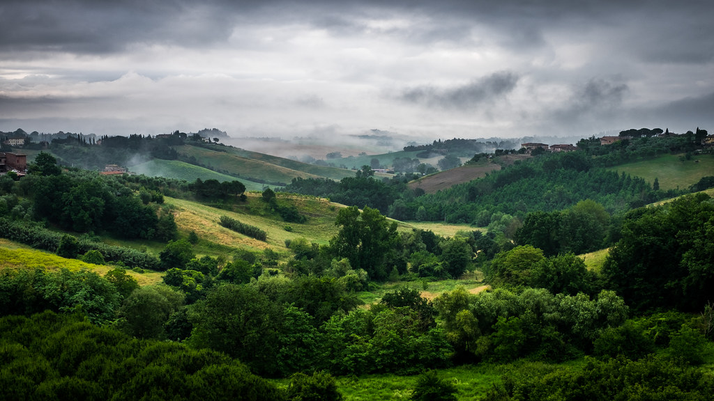 Tuscany landscape, Siena, Italy picture