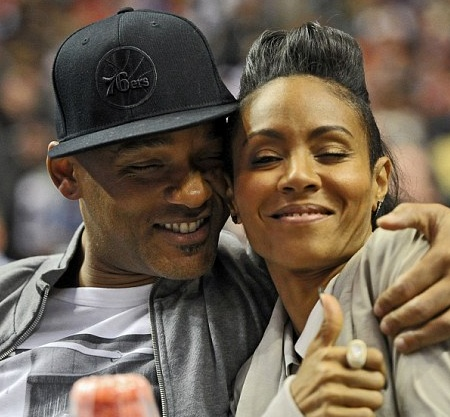 Will-Smith-and-Jada-kiss-photo (5)