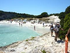 Le sentier au bout de la plage du Petit Sperone