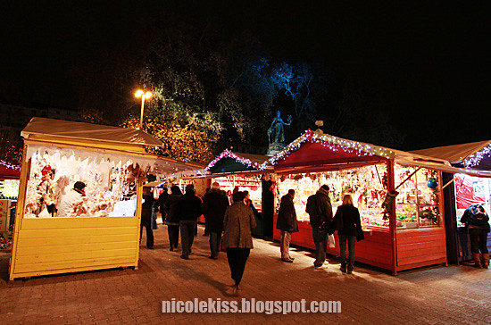 lyon christmas night market