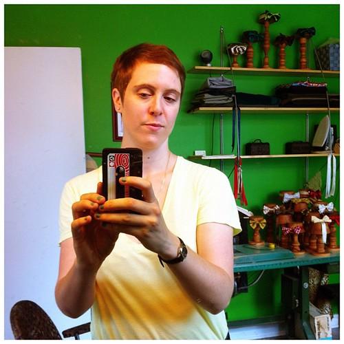 Mon nouveau coup de cheveux lesbien pour n'importe de qui (j'adore)