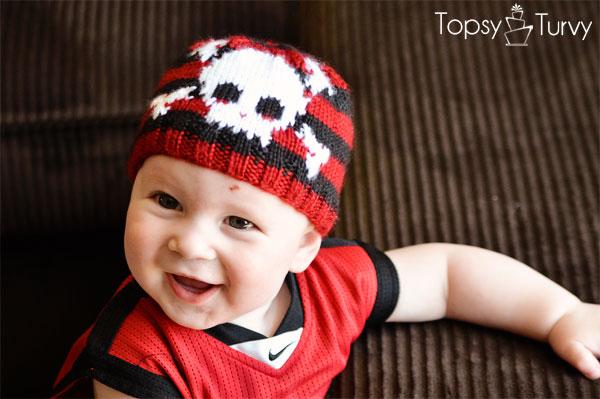 intarsia-skull-baby-beanie-pattern-front
