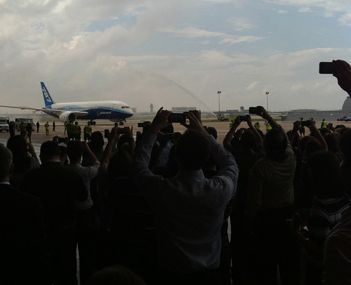 Boeing 787 Dreamliner arrives at DFW