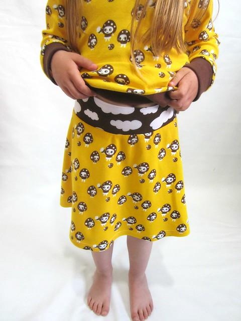 yellow mushroom skirt waistband 3