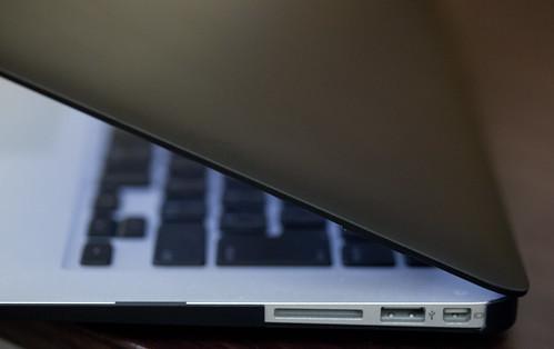 moshi iGlaze for MacBook Air_05