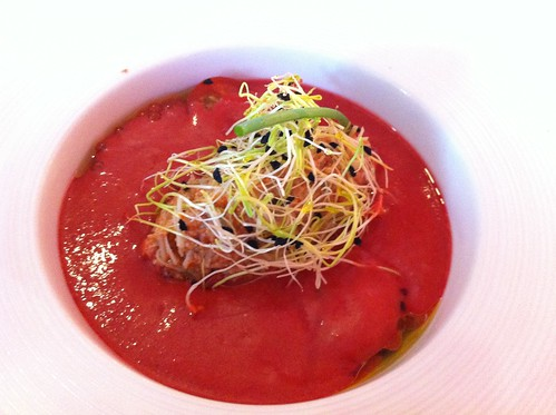 Logroño | Marisol Arriaga | Sopa fría de cerezas con changurro y brotes tiernos