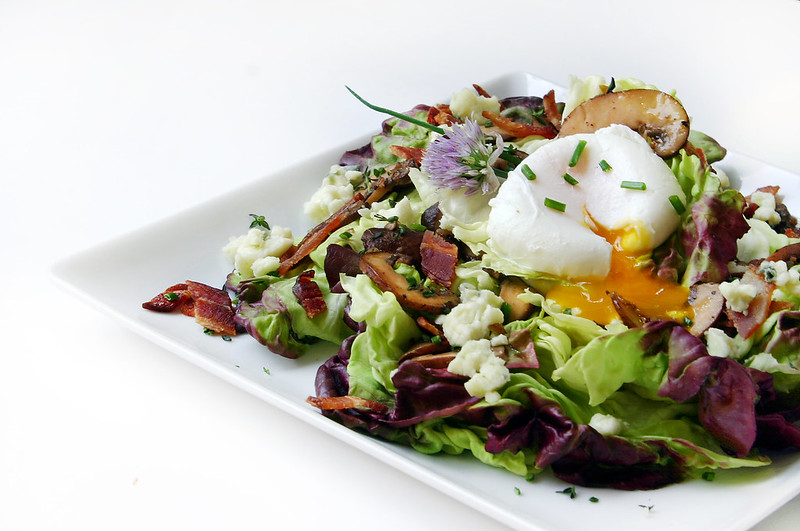 mushroom bacon and poached egg salad