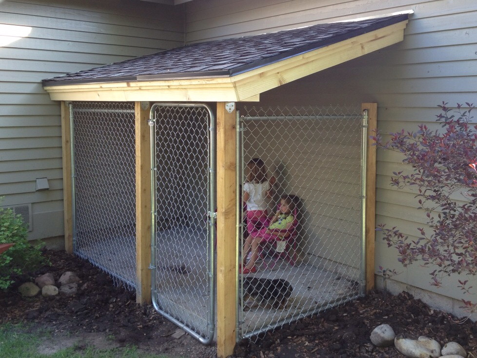 Lindsay drew pooch palace for Dog run outdoor kennel house