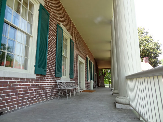 hermitage-back-porch